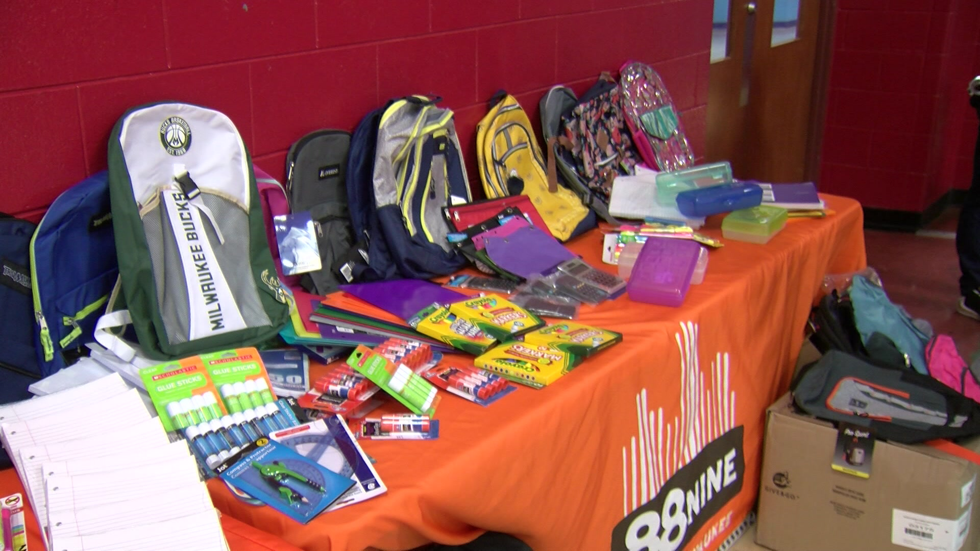 MPS students receive donated school supplies