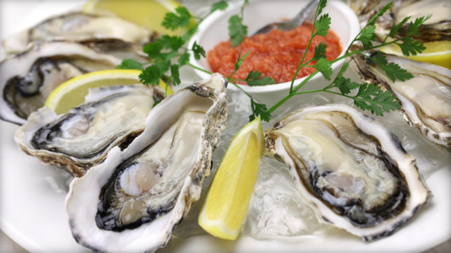 Man dies from bacterial infection after eating raw oysters in Florida