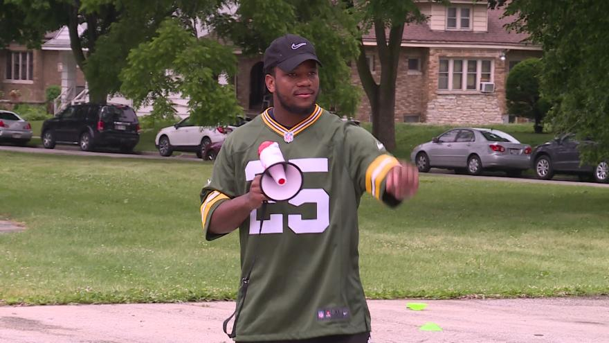 super popular 057ee 0d8b1 Packers safety Marwin Evans teaching Milwaukee kids about ...