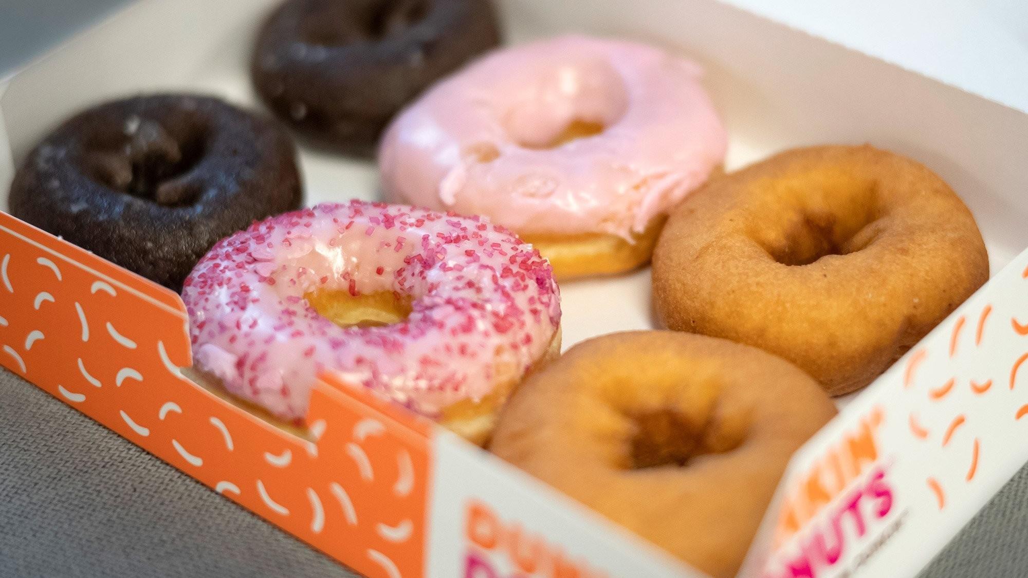 Transgender Ex Cashier Sues Dunkin Donuts Saying