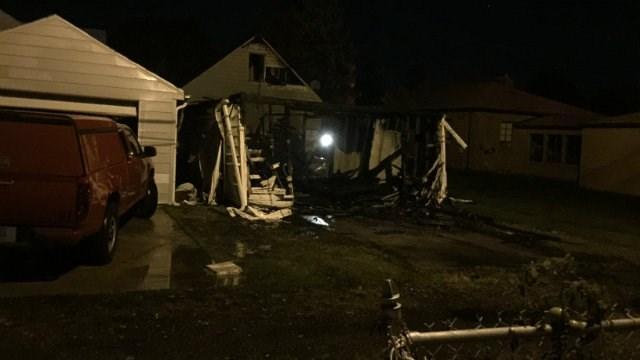 fire destroys garage in south bend