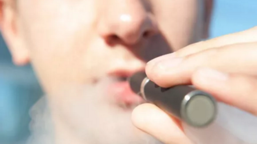 CDC Warns Against E-cigarettes Use as Mysterious Lung Disease Spreads