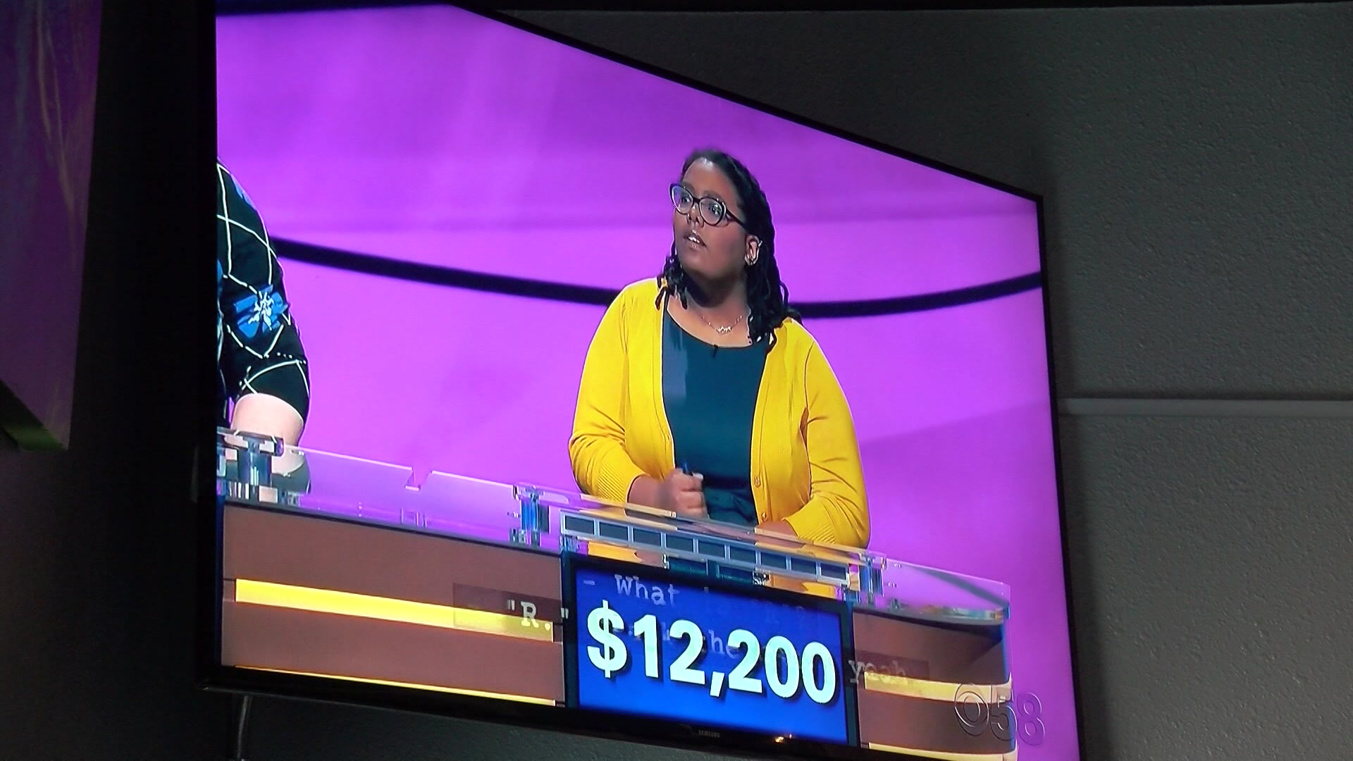 Milwaukee woman appears on Jeopardy, friends and family hold