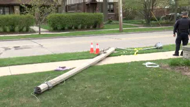 Car in Wauwatosa Hits Child and Light Pole