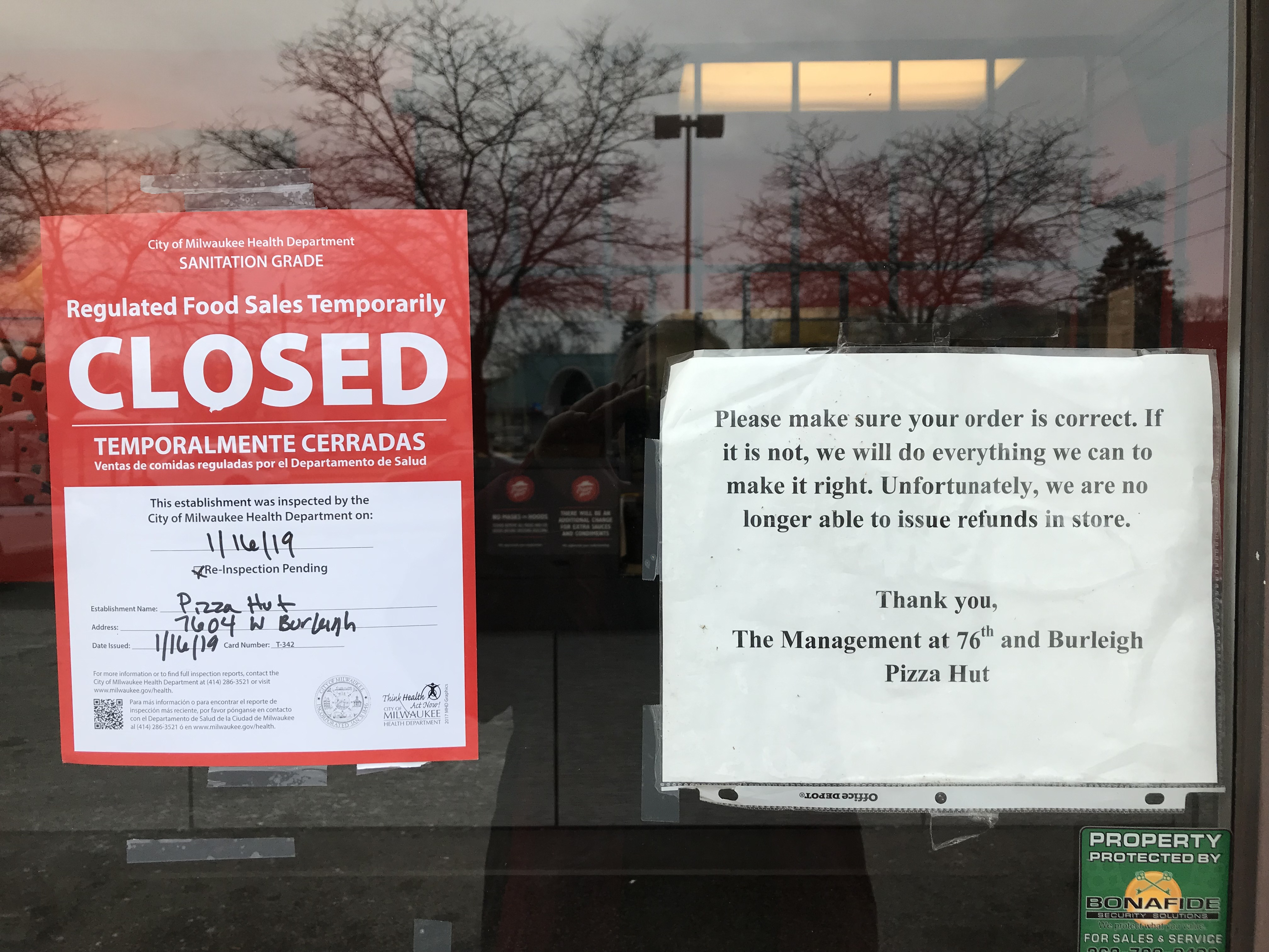 Pizza Hut Open Christmas Day.Milwaukee Pizza Huts To Re Open Soon After Closing Due To Improper