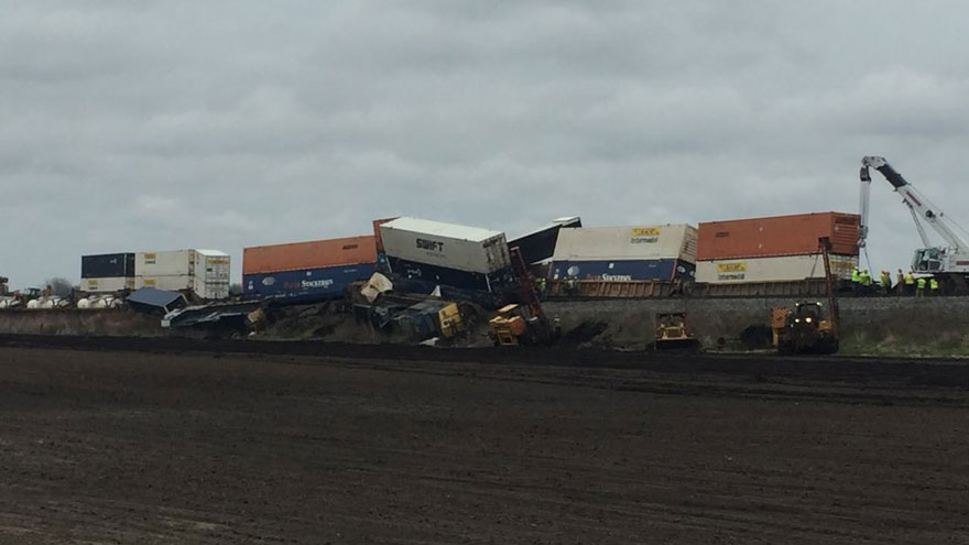 Train derails east of Nappanee, weather may have been a factor