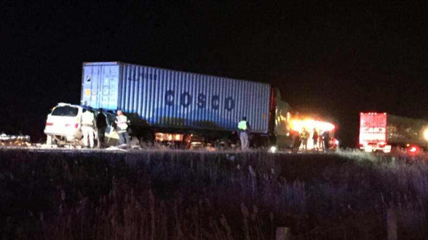 Two injured in early morning accident on I-94 in Racine County