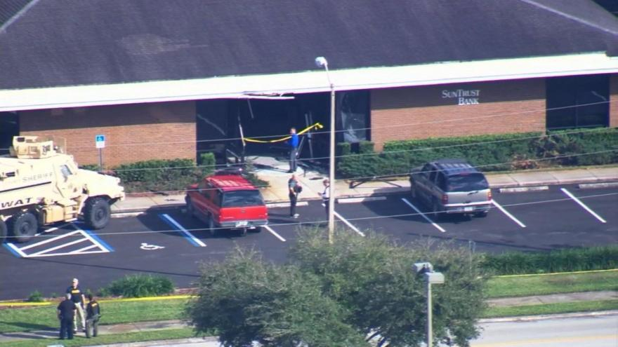 At least 5 people killed at SunTrust Bank in Sebring