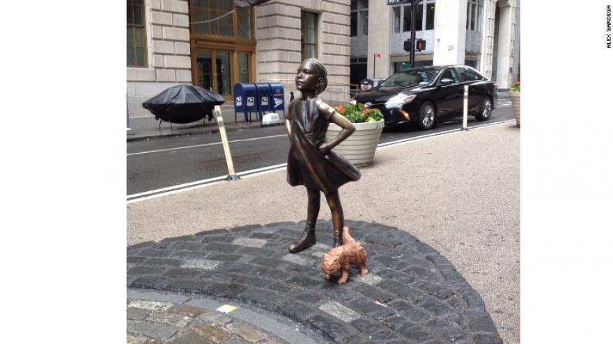 Opinion star caught peeing on sidewalk apologise
