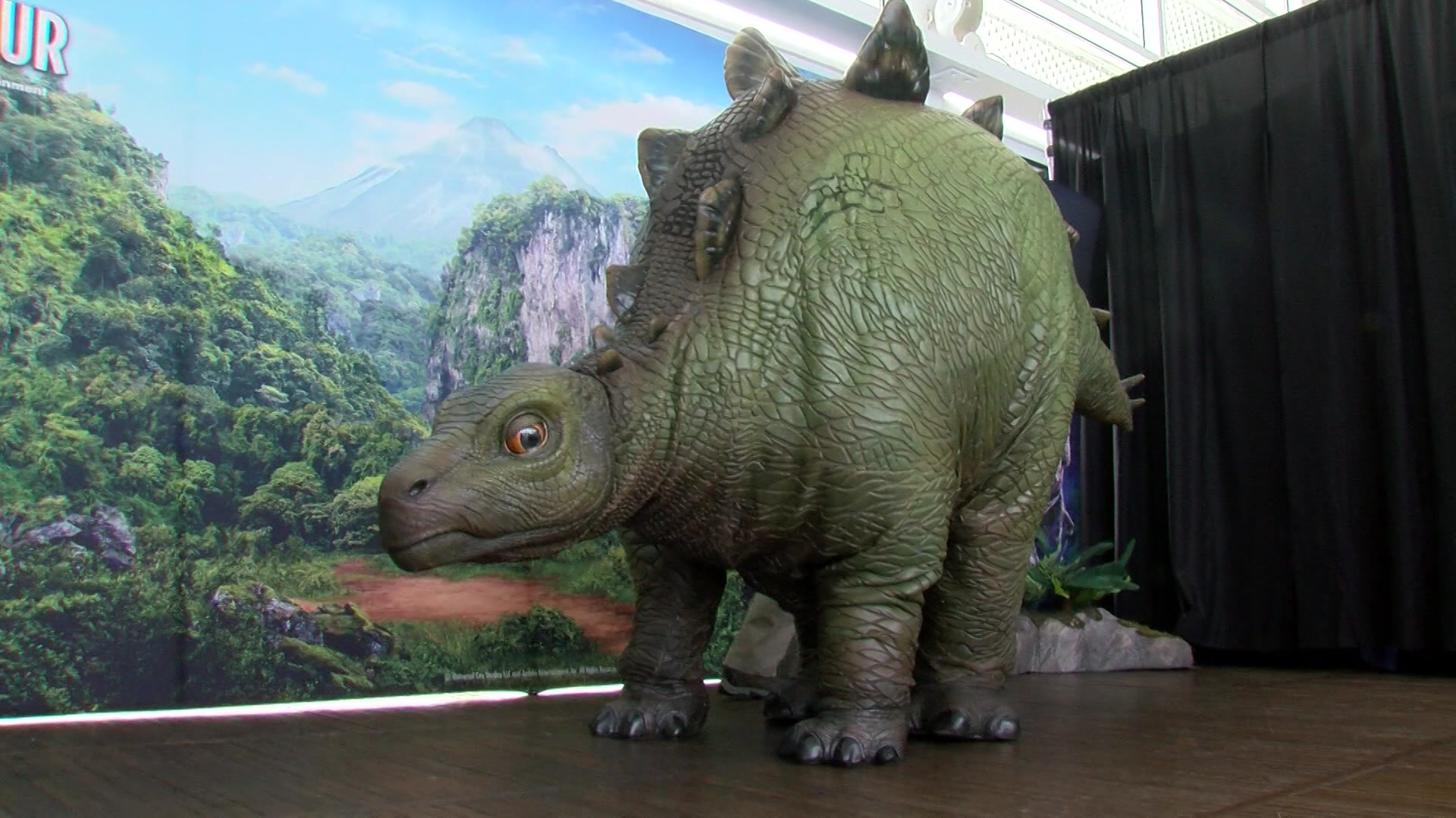 Kids partake in Jurassic World Live Tour-themed STEM activities with animatronic dinosaur