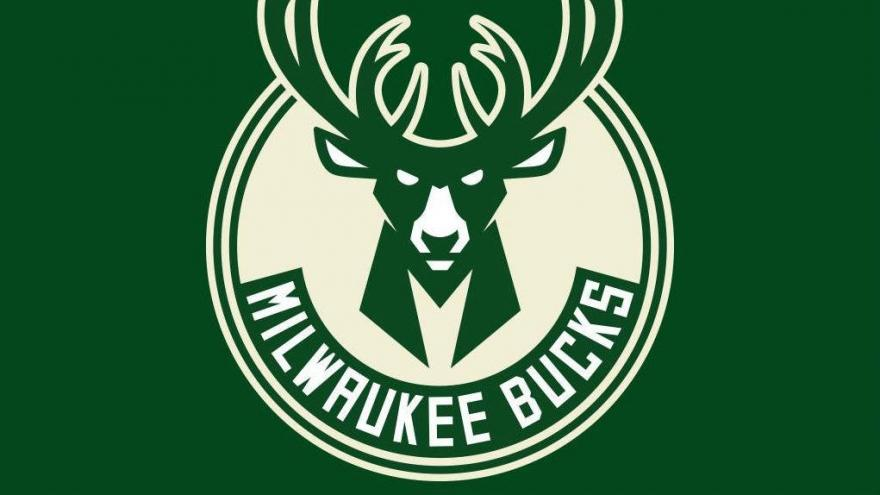 Milwaukee nba fans meet and fuck go bucks cuck 7