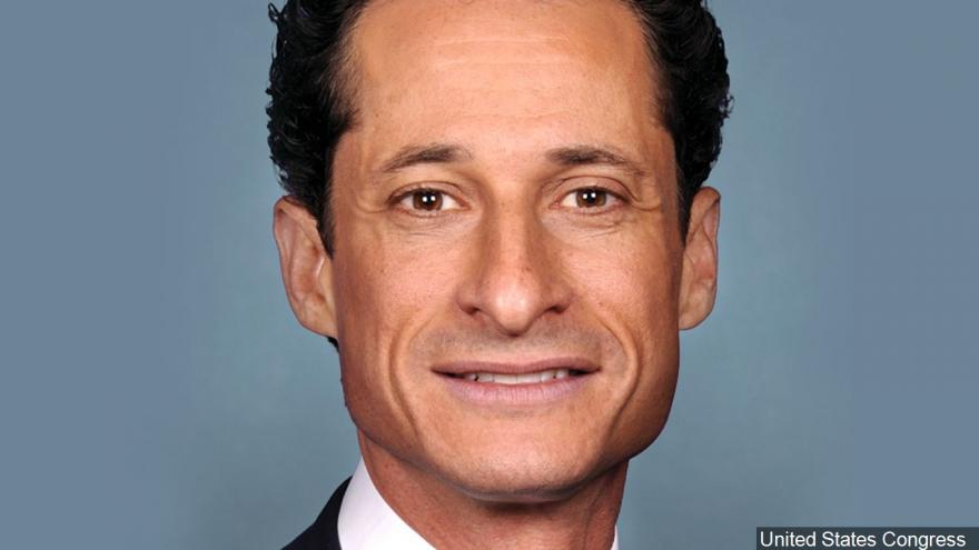 Anthony Weiner gets 21 months in prison in sexting caseRead More