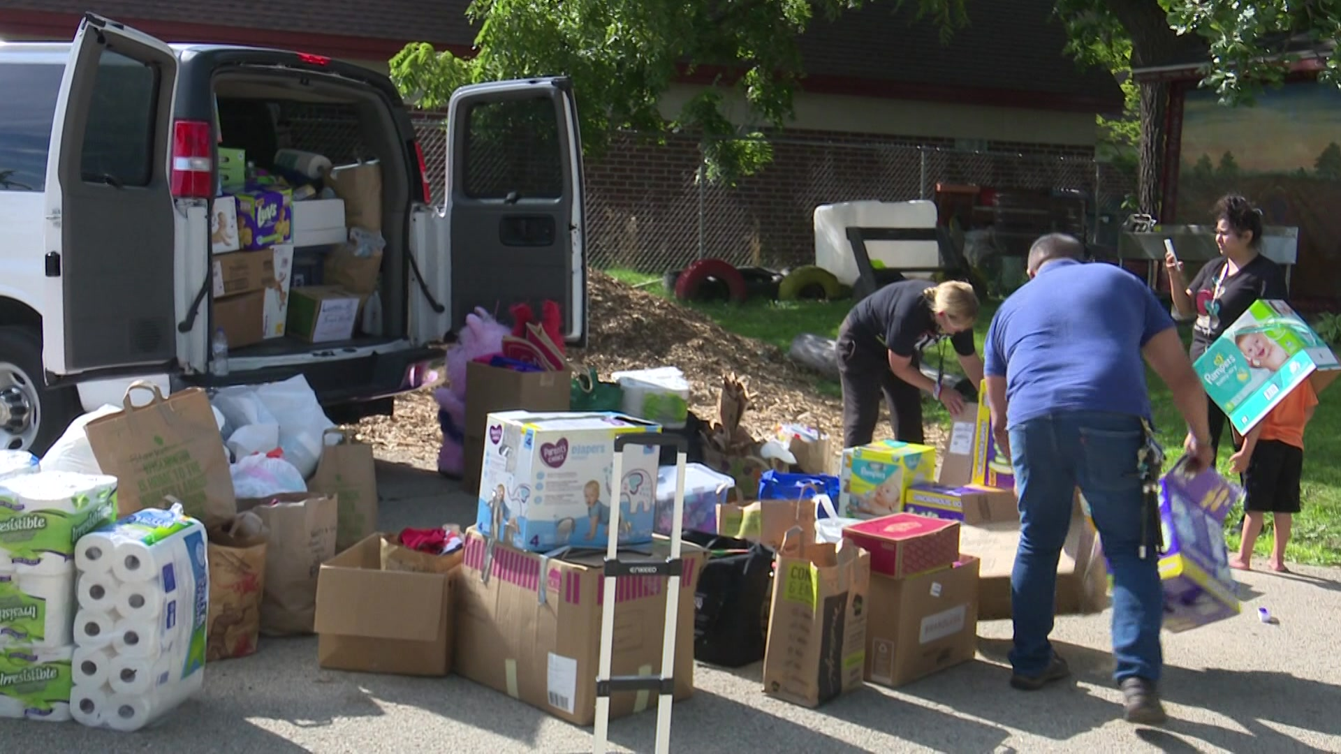 Wisconsin collects, delivers donations to families affected by ICE raids in Mississippi