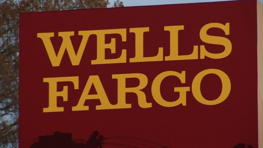 Wells Fargo customers angered after glitch drains bank accounts