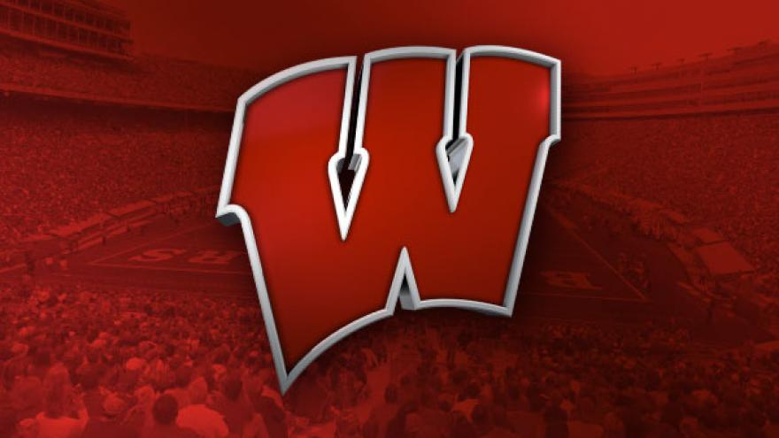 Report Badgers Football To Play Northwestern At Wrigley