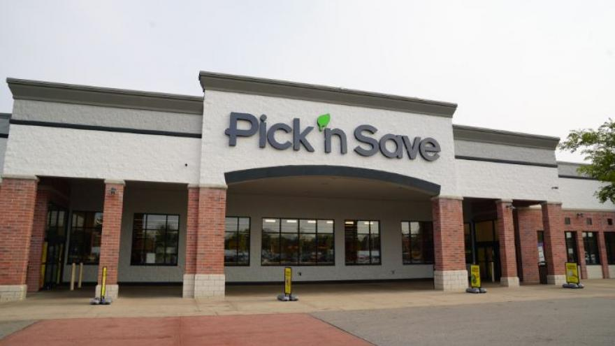 pick n save holiday hours