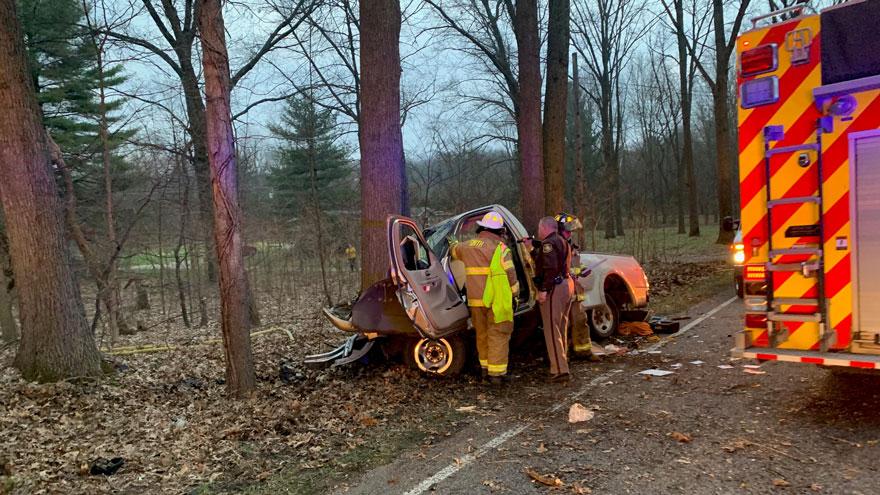 Driver injured after crashing into tree on Glenwood Road