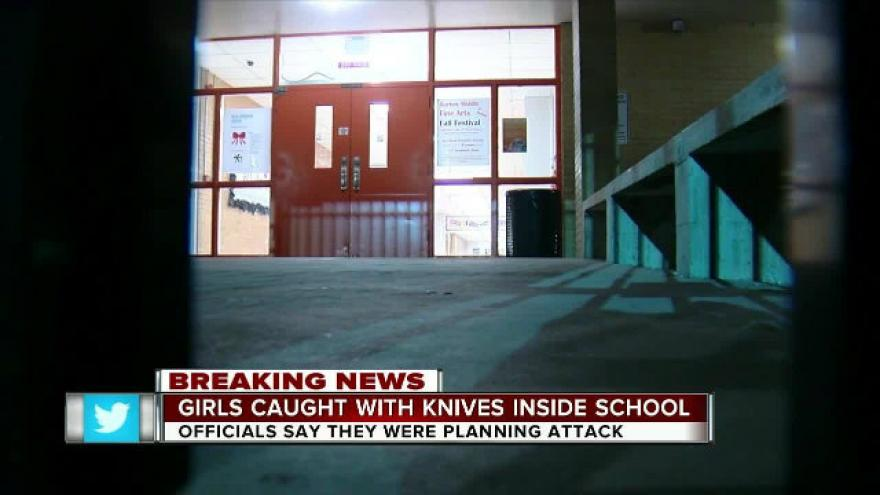 PD: 2 Satan-worshiping girls armed with knives plotted to ...