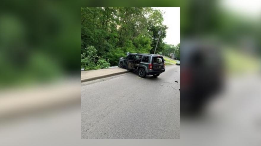 Wabash man dies in single car crash