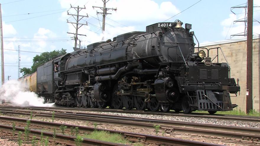 Big Boy:' World's largest steam locomotive rolls through Butler