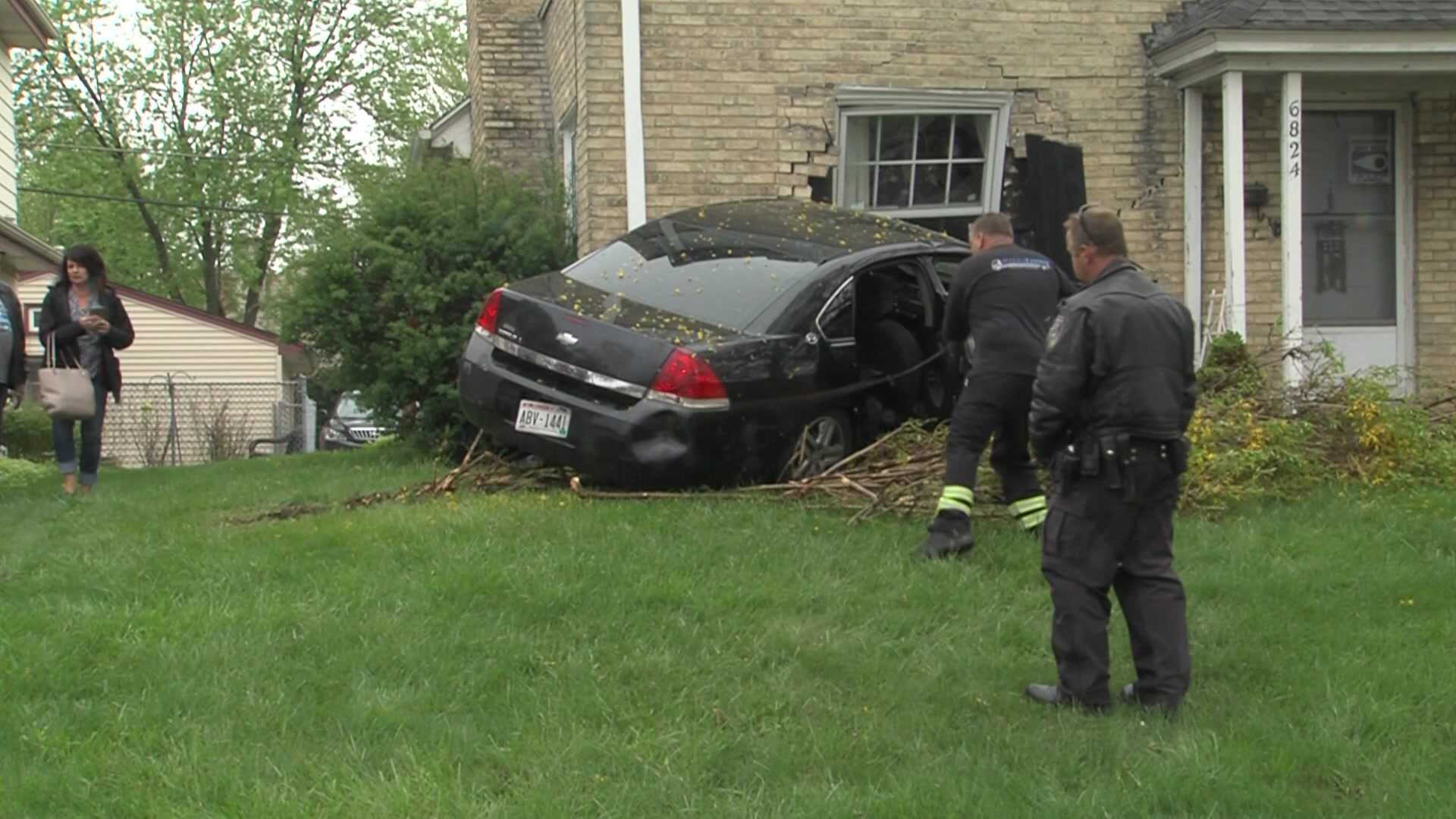 Milwaukee Car Crashes Into House