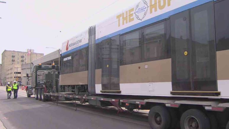First streetcar arrives in downtown Milwaukee